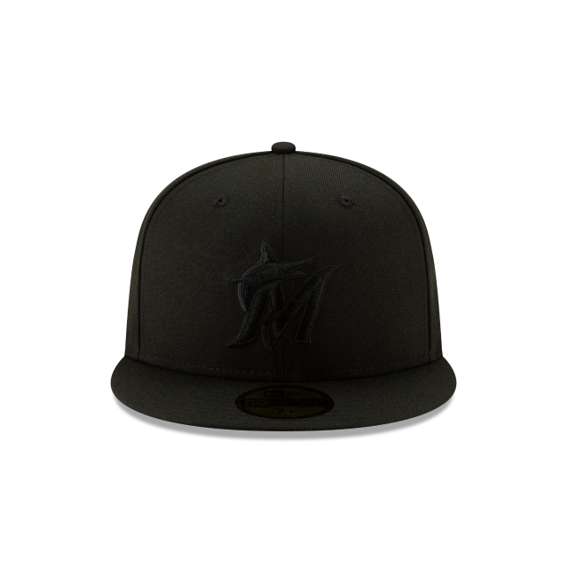 MIAMI MARLINS 2019 BLACKOUT BASIC 59FIFTY FITTED Front view