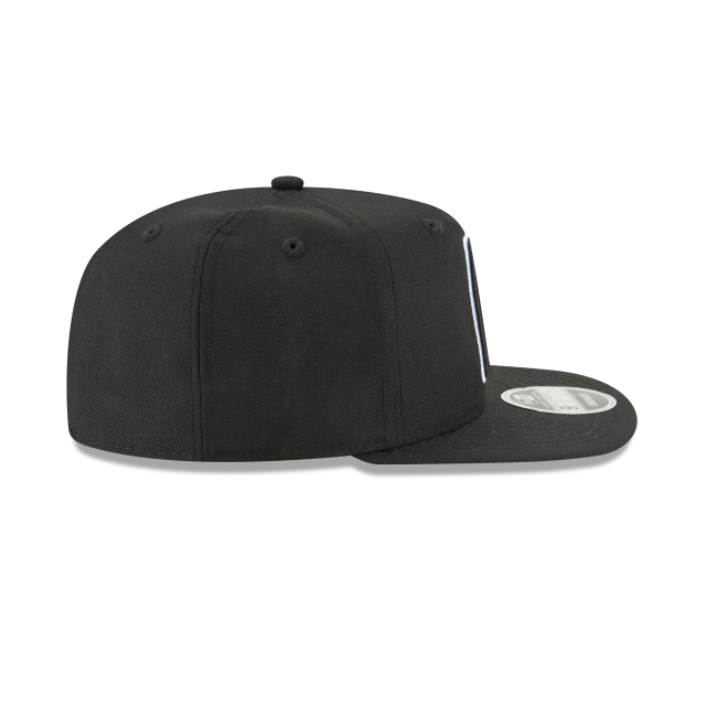 LOS ANGELES CLIPPERS BLACK AND WHITE HIGH CROWN 9FIFTY SNAPBACK Right side view