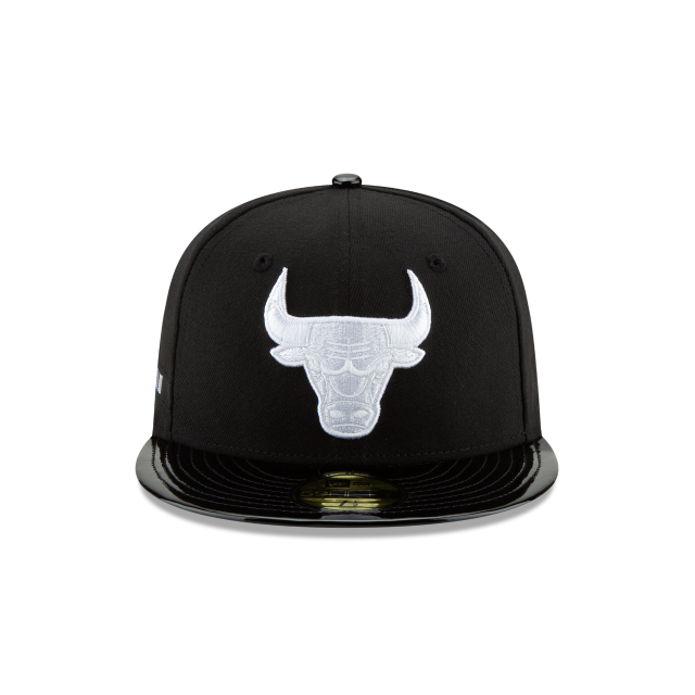 CHICAGO BULLS BLACK RETRO HOOK 59FIFTY FITTED Front view