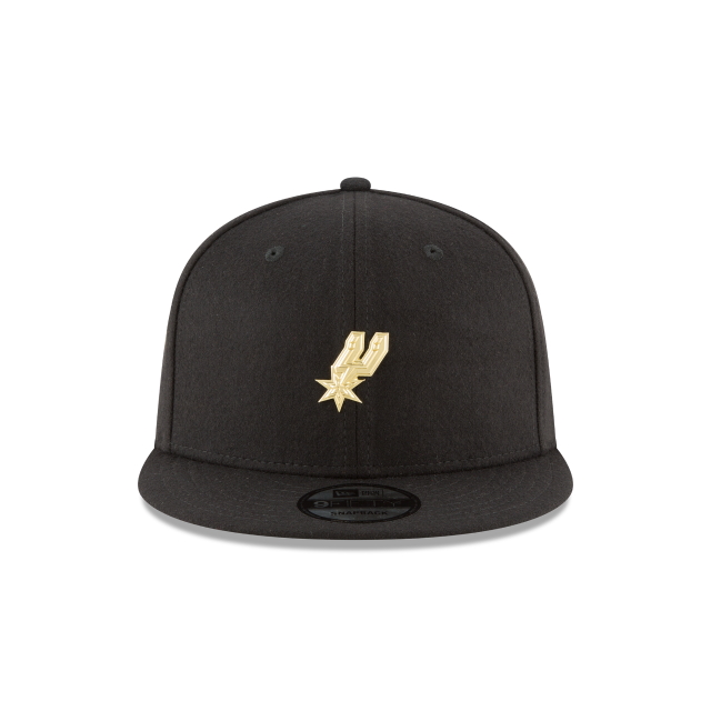 SAN ANTONIO SPURS BADGE SLICK 9FIFTY SNAPBACK Front view