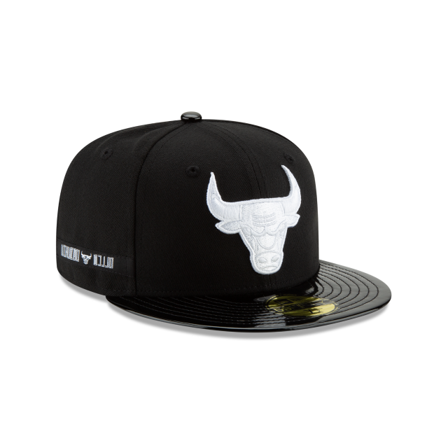 CHICAGO BULLS BLACK RETRO HOOK 59FIFTY FITTED 3 quarter right view
