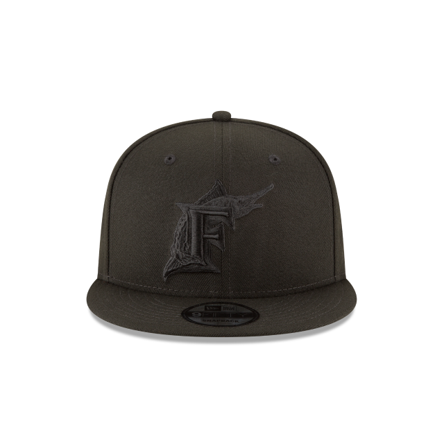 FLORIDA MARLINS BLACKOUT 9FIFTY SNAPBACK Front view