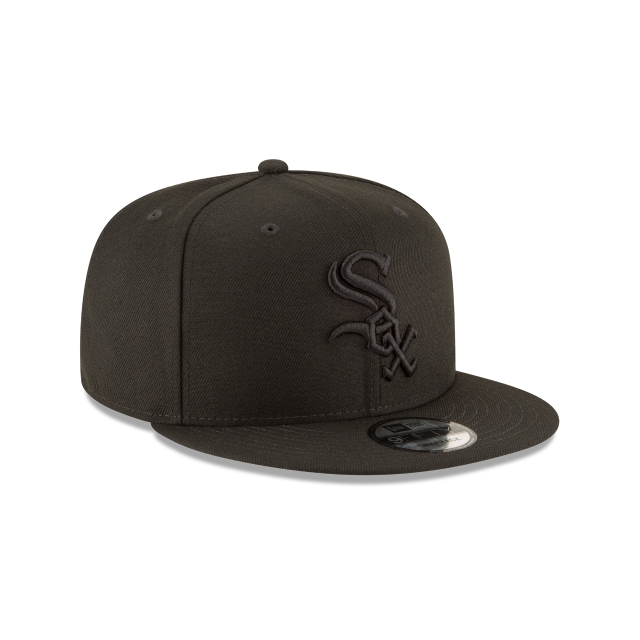 CHICAGO WHITE SOX BLACKOUT 9FIFTY SNAPBACK 3 quarter right view