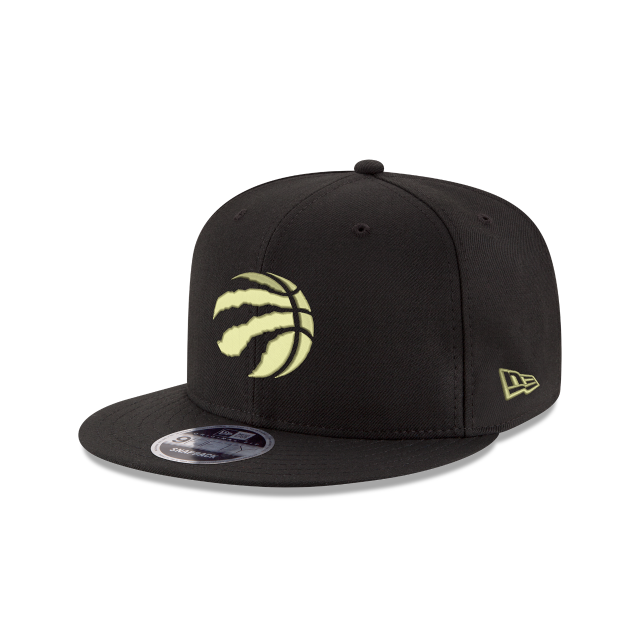 TORONTO RAPTORS BLACK & GOLD  9FIFTY SNAPBACK 3 quarter left view