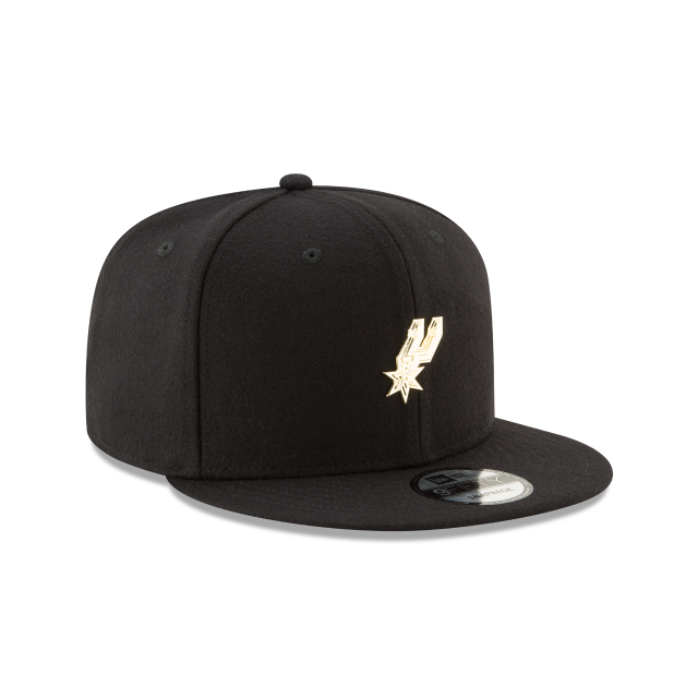 SAN ANTONIO SPURS BADGE SLICK 9FIFTY SNAPBACK 3 quarter right view