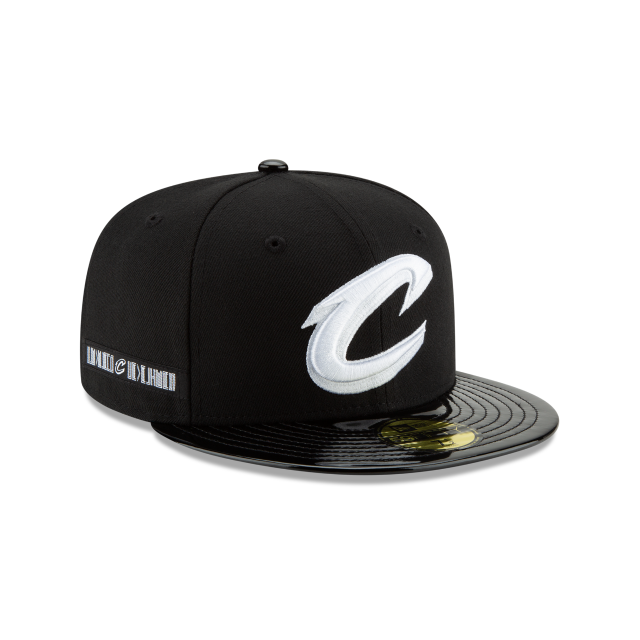 CLEVELAND CAVALIERS BLACK RETRO HOOK 59FIFTY FITTED 3 quarter right view