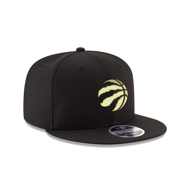 TORONTO RAPTORS BLACK & GOLD  9FIFTY SNAPBACK 3 quarter right view