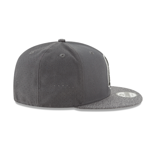STAR WARS DARTH VADER PERFORATED 9FIFTY SNAPBACK Right side view