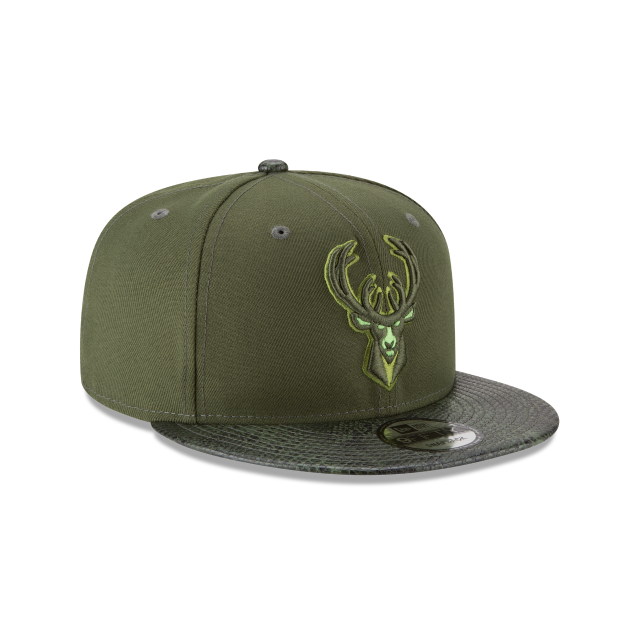 MILWAUKEE BUCKS SNAKESKIN GREEN 9FIFTY SNAPBACK 3 quarter right view