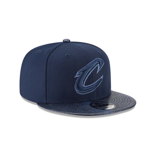 CLEVELAND CAVALIERS SNAKESKIN BLUE 9FIFTY SNAPBACK 3 quarter right view