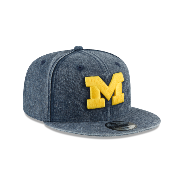 MICHIGAN WOLVERINES RUGGED CANVAS 9FIFTY SNAPBACK 3 quarter right view